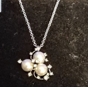 Jewelry - 925 pendant with czs and faux pearls